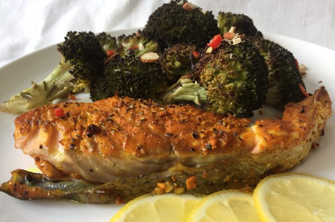 Easy Anti-inflammaging Turmeric Salmon Recipe