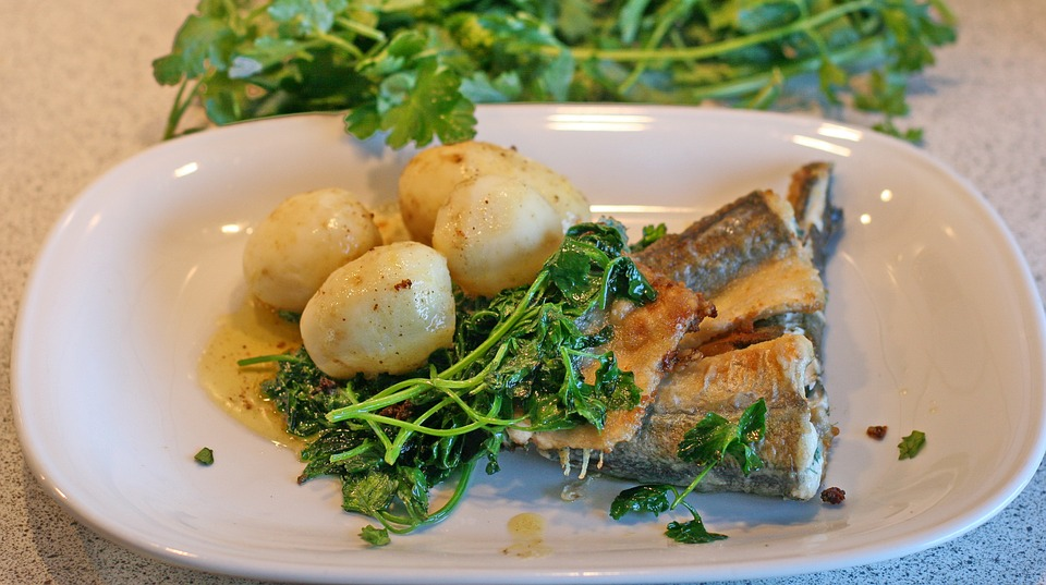 Food Garfish Spinach Fish Potatoes Dining Parsley